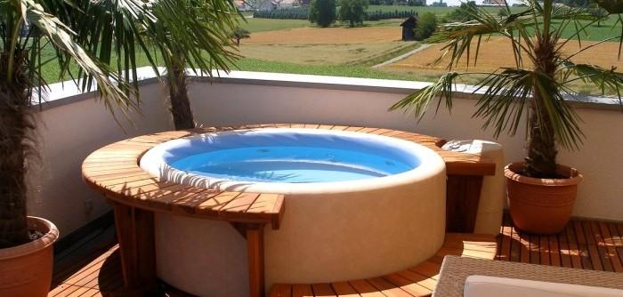 Hot-Tubs-480-3-700x525