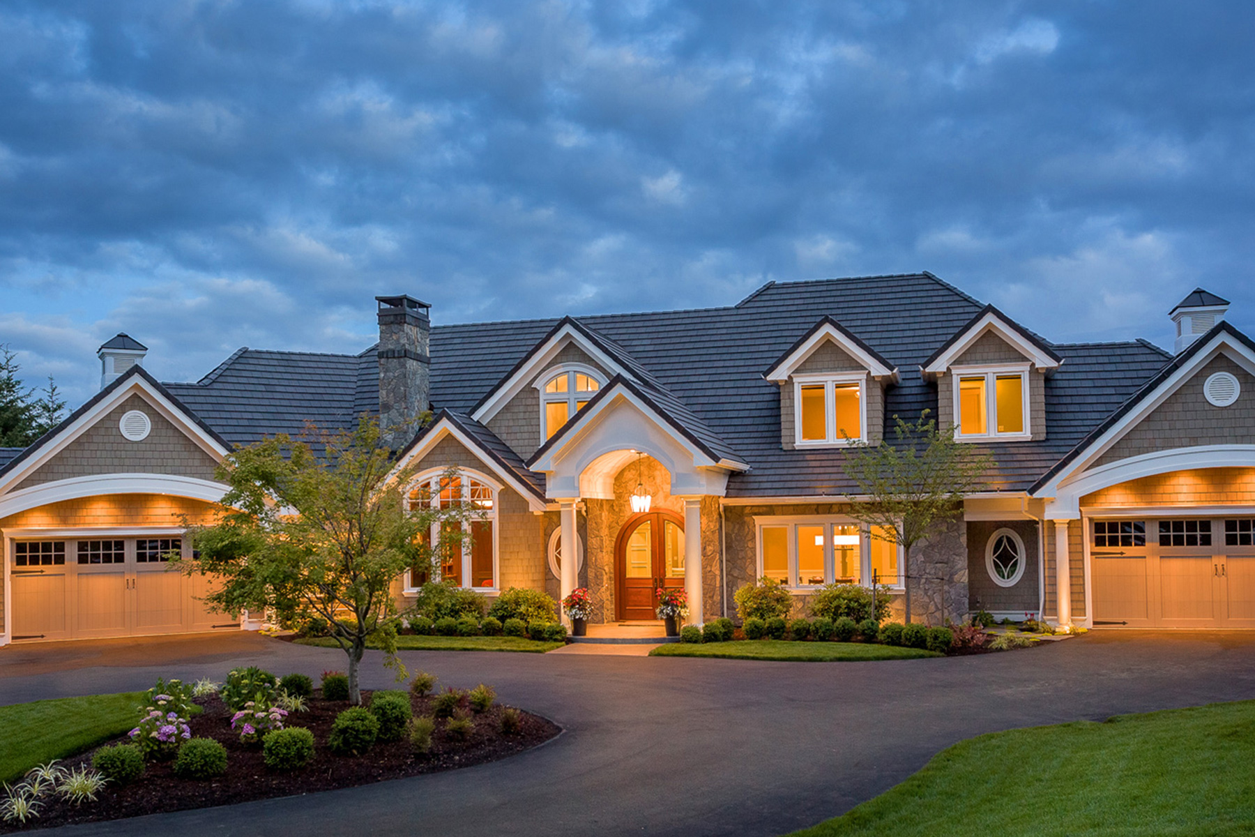5 factors to consider when having your custom home built for Home builder contractors