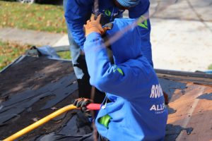What To Check For A Healthy Roof Without Leaks